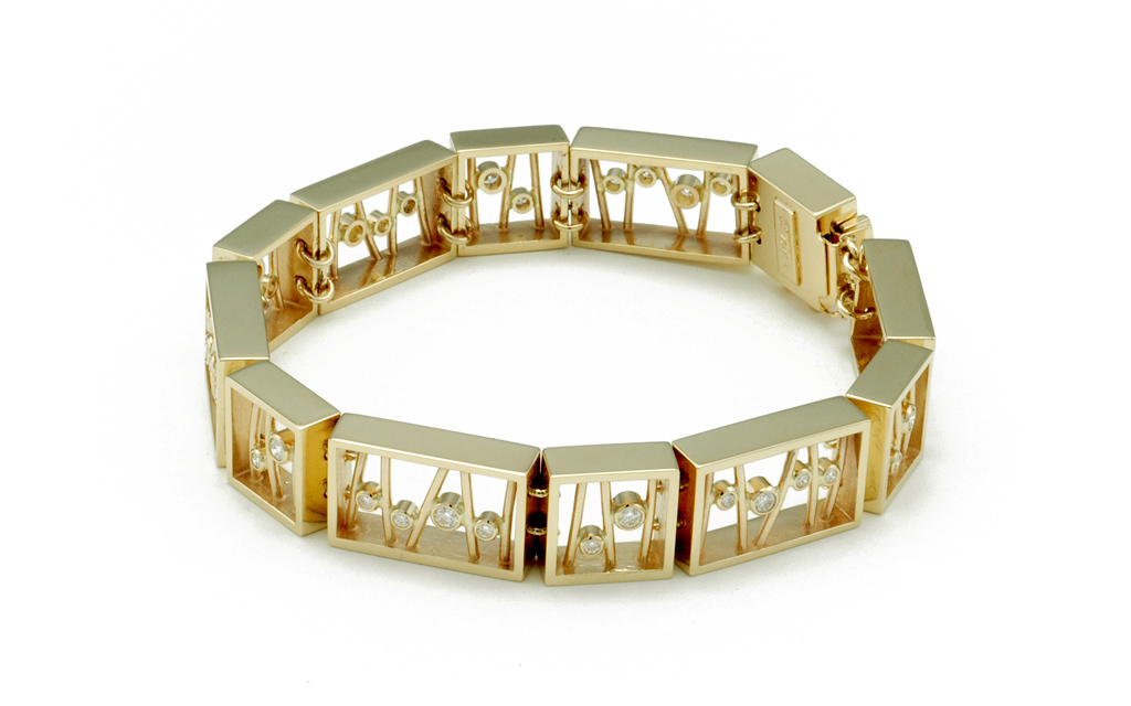 4023B - 14K gold Bracelet set with 1.02cttw. Diamonds (50.1g) Price Upon Request